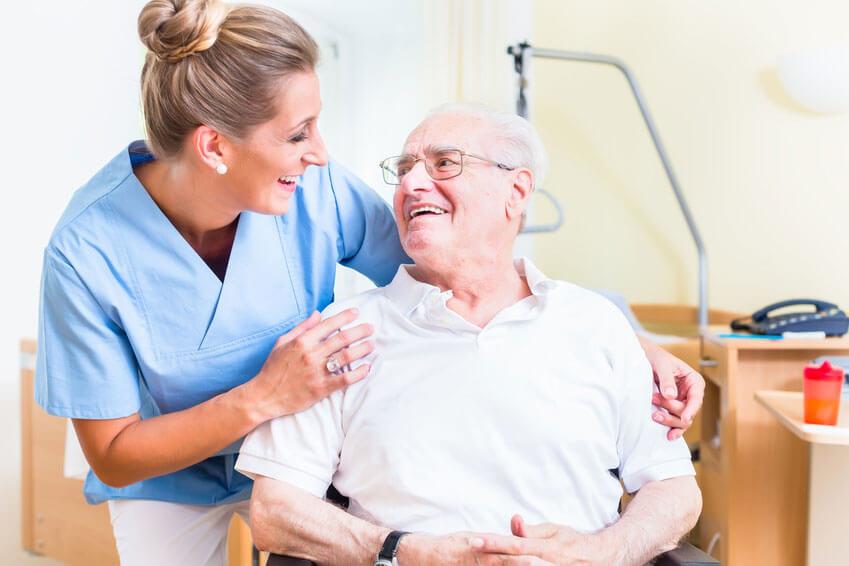 Menschlichkeit in Pflege-Jobs darf nicht zu kurz kommen